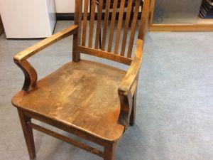Tuoleja, 14 kpl