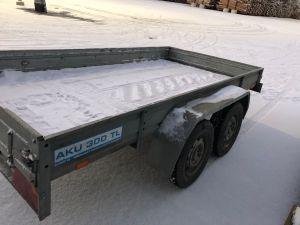 Perävaunu AKU 300 TL, VM 2001