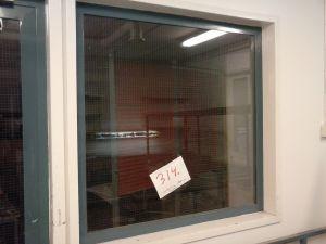 Verkkolasi-ikkuna metallipuitteella  (314)