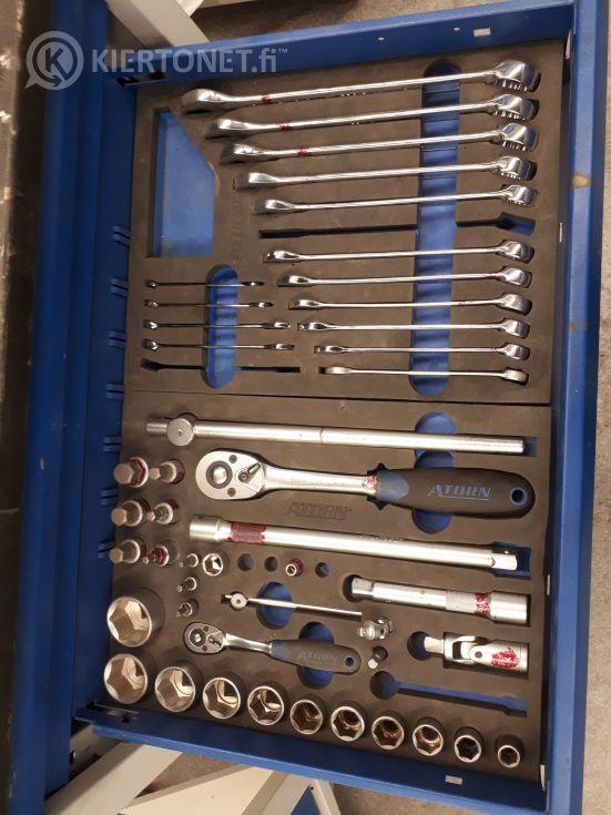 Työkaluvaunu Atorn työkaluilla (1)