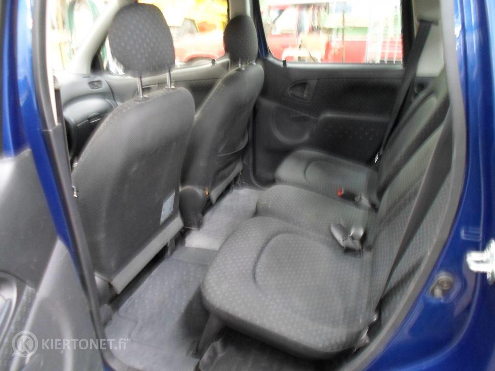 Toyota Yaris henkilöauto