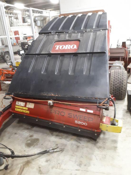 Ruohonkeräys-/ lakaisulaite Toro Pro Sweep
