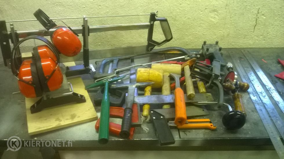 sekalainen kasa työkaluja