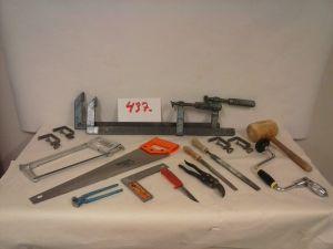 Teknisentyön välineitä  (437)