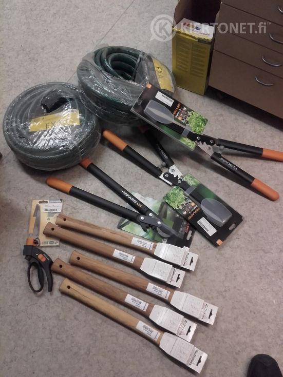 Myydään uusia työkaluja