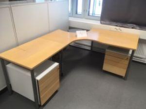 Työpöytä nro 4 + 2 laatikostoa