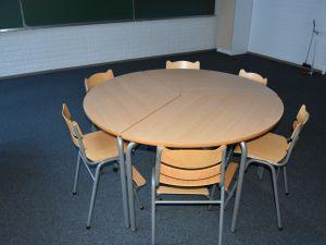 Pöytä+ 6 tuolia