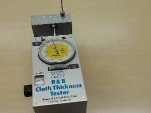 Kankaan paksuuden mittauslaite, R&B CLOTH THICKNESS TESTER