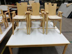 Lasten pöytä 2 kpl ja tuolit 6 kpl (1)