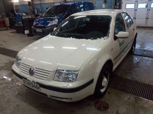 Volkswagen Bora 1.4 -99 valkoinen