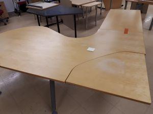 Toimistopöytä 2