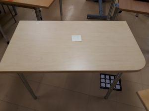 Toimistopöytä 4