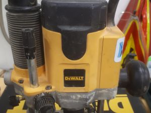 Yläjyrsin DeWalt DW621
