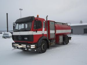 Säiliöauto Mercdes-Benz 1726/4500