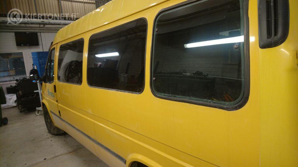 Ford transit Pikkubussi