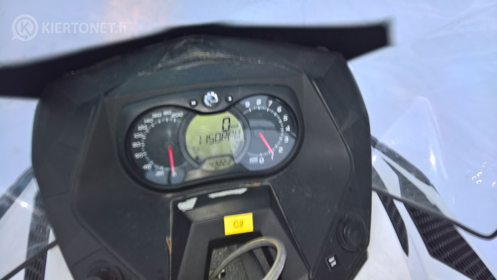 LYNX, COMMANDER LIMITED 600 E-TEC - vm. 2013 - ajettu 4332 km