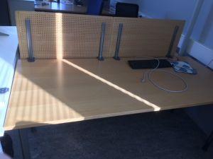 3 kpl pöytiä 180x80cm pöytiä: mukana suojalevy
