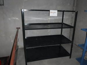 Metallihyllykkö - nro 7