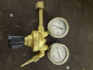 Kaasupullon mittari