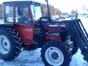 Valmet 305 4WD + etukuormaaja (Valmet 1416)