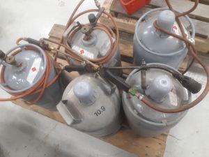 Kaasupullot 5 kpl ja poltin 3 kpl