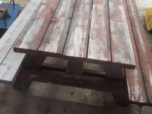 Pöytä-penkki -kaluste nro 3