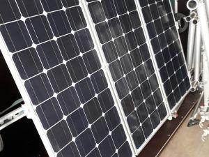 Aurinkopaneeli ja akut