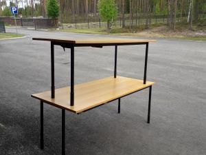 Myydään toimistopöytiä 2 kpl