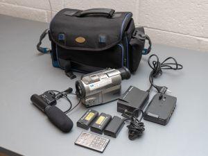 Panasonic NV-DX100 kamera+ tarvikkeet