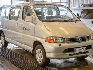 Toyota Hiace pikkubussi vm.2002