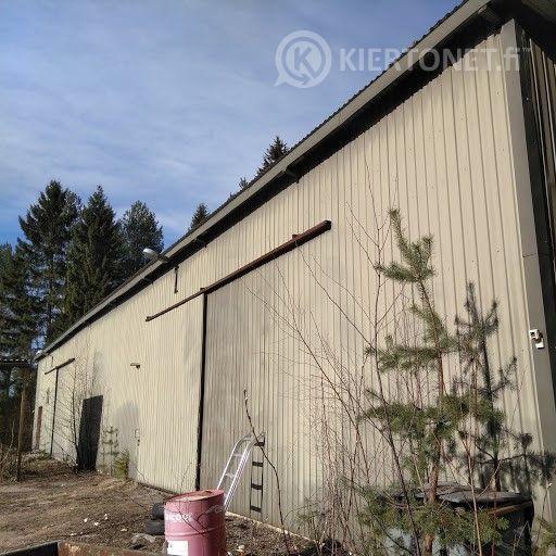 Varastorakennus purettavaksi ja poissiirrettäväksi
