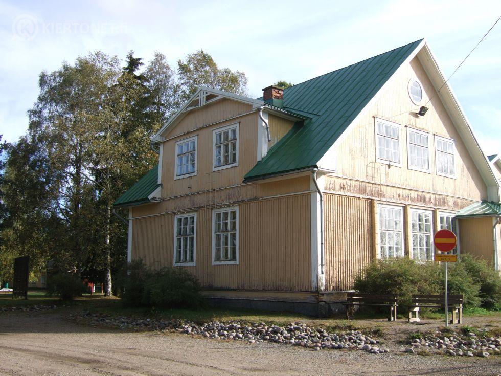 Kainaston entisen kansakoulurakennuksen siirtäminen