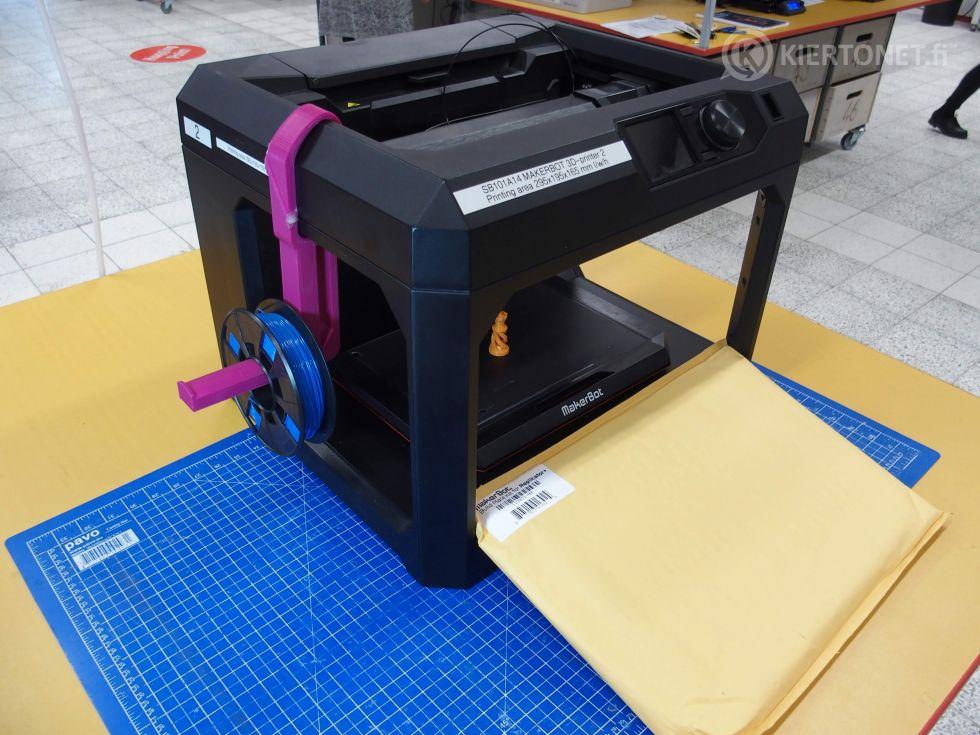 Makerbot Replicator + 3d-tulostin (tulostin nro 2)