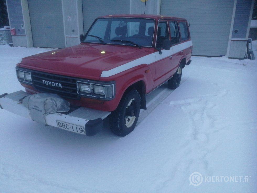 Myytävänä Toyota Land Cruiser