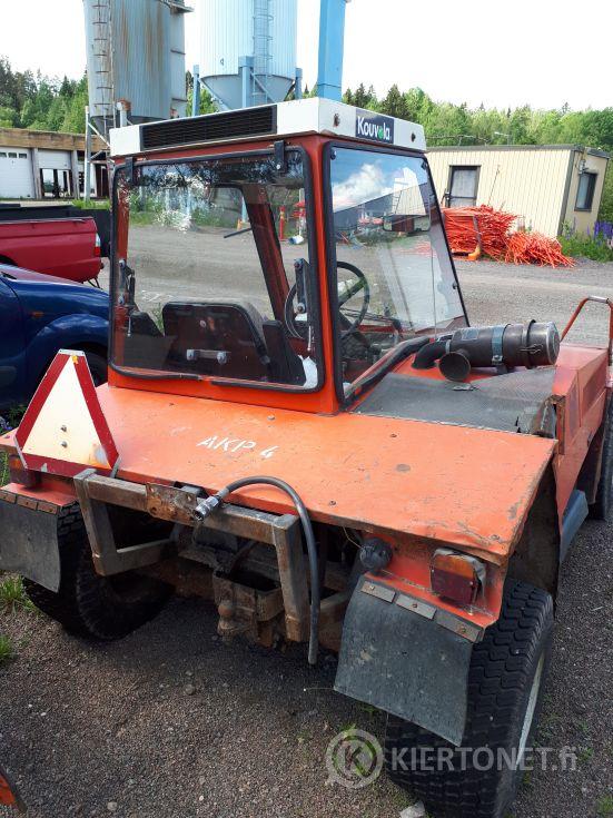 Myydään Bucher 850 4x4