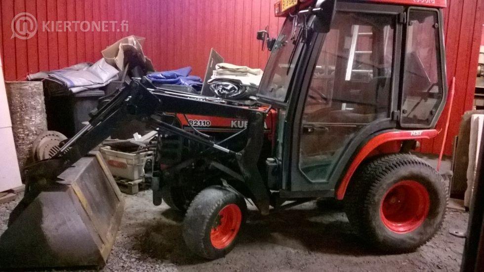 Traktor Kubota B2110HD med tillbehör / lisälaitteineen