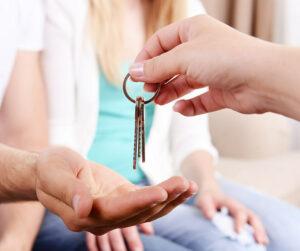 Vuokraaminen ja avainten luovutus.