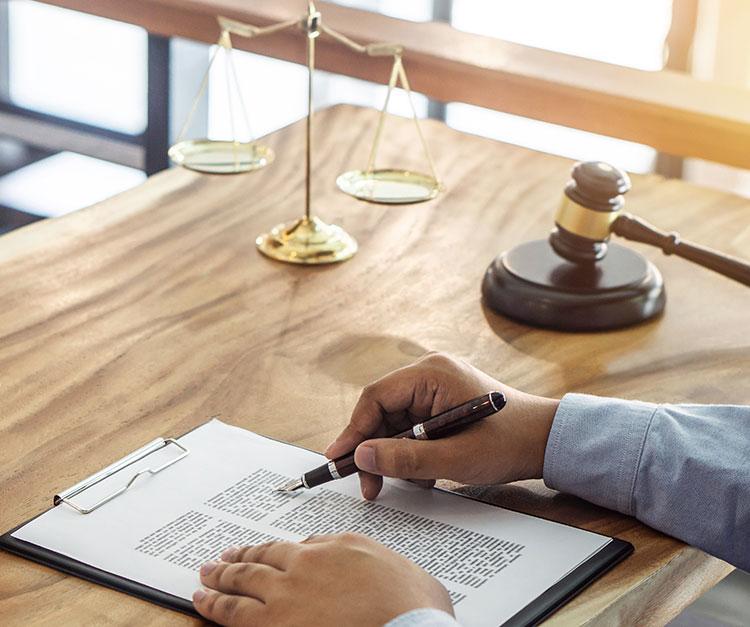 Kiinteistöliitto neuvoo taloyhtiöiden hallituksia lakiasioissa ym.