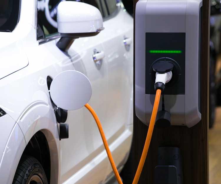 Sähköautojen latauspisteiden avustuksiin tarvitaan lisärahaa