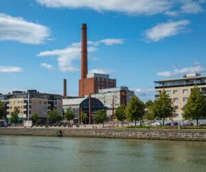Kasvukolmiossa asuntojen hinnat nousevat 2020. Kuvassa on Turun keskusta-aluetta Aura-joelta kuvattuna.