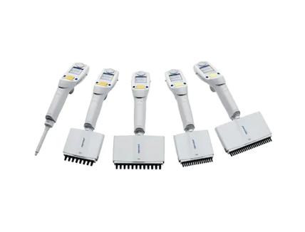 Eppendorf Xplorer plus シングルチャンネル0.5-10mL