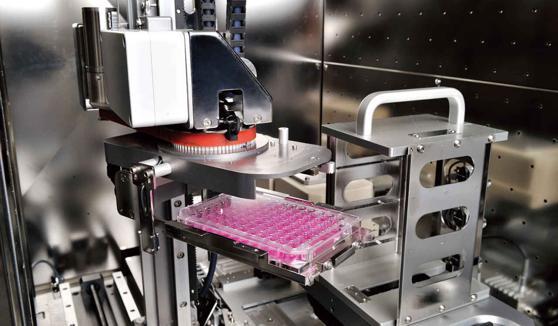 滑らかなサンプル搬送 サンプルの搬送は液面の揺れを2mm以下に抑えた、ゆるやかな移動を実現。細胞の偏りを抑え、細胞へのストレスも低減します。