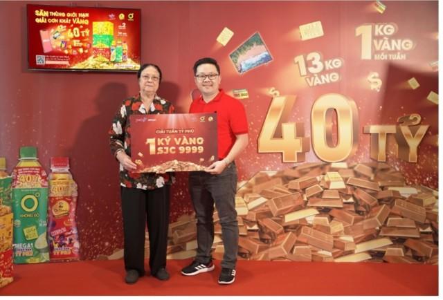 """Mega1 công bố chủ nhân 1 kg vàng đầu tiên, đường đua """"Săn thùng trúng vàng"""" đang nóng lên, kinhtethoidai, kinh tế thời đại, kinhtethoidai.vn, kinh te thoi dai"""