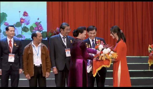 Ông Johnathan Hạnh Nguyễn được vinh danh gương điển hình tiên tiến, kinhtethoidai, kinh te thoi dai, kinhtethoidai.vn, kinh tế thời đại
