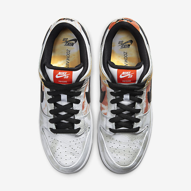 SB Heritage Dunk Roswell Rayguns White [3]