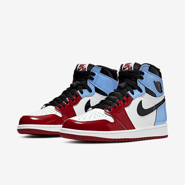 Air Jordan 1 Retro High Fearless UNC Chicago [4]
