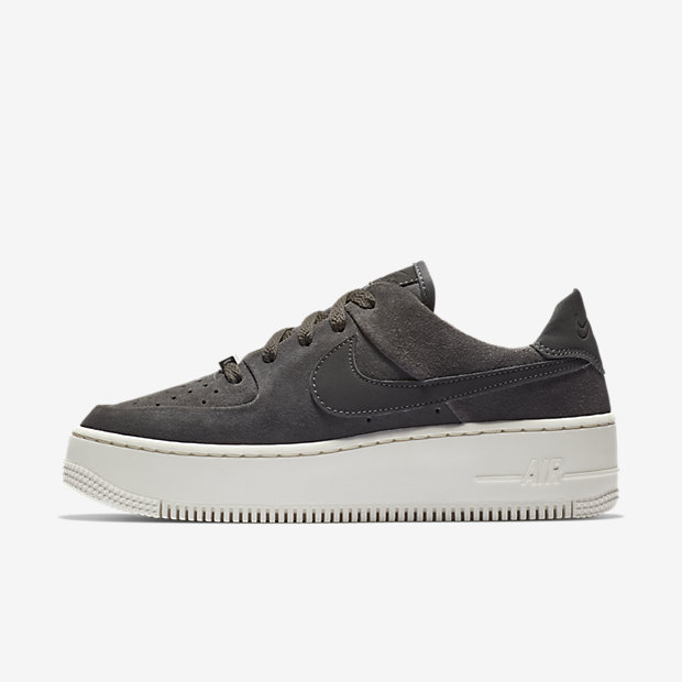 Air Force 1 Sage Low Night Stadium (ウィメンズ)