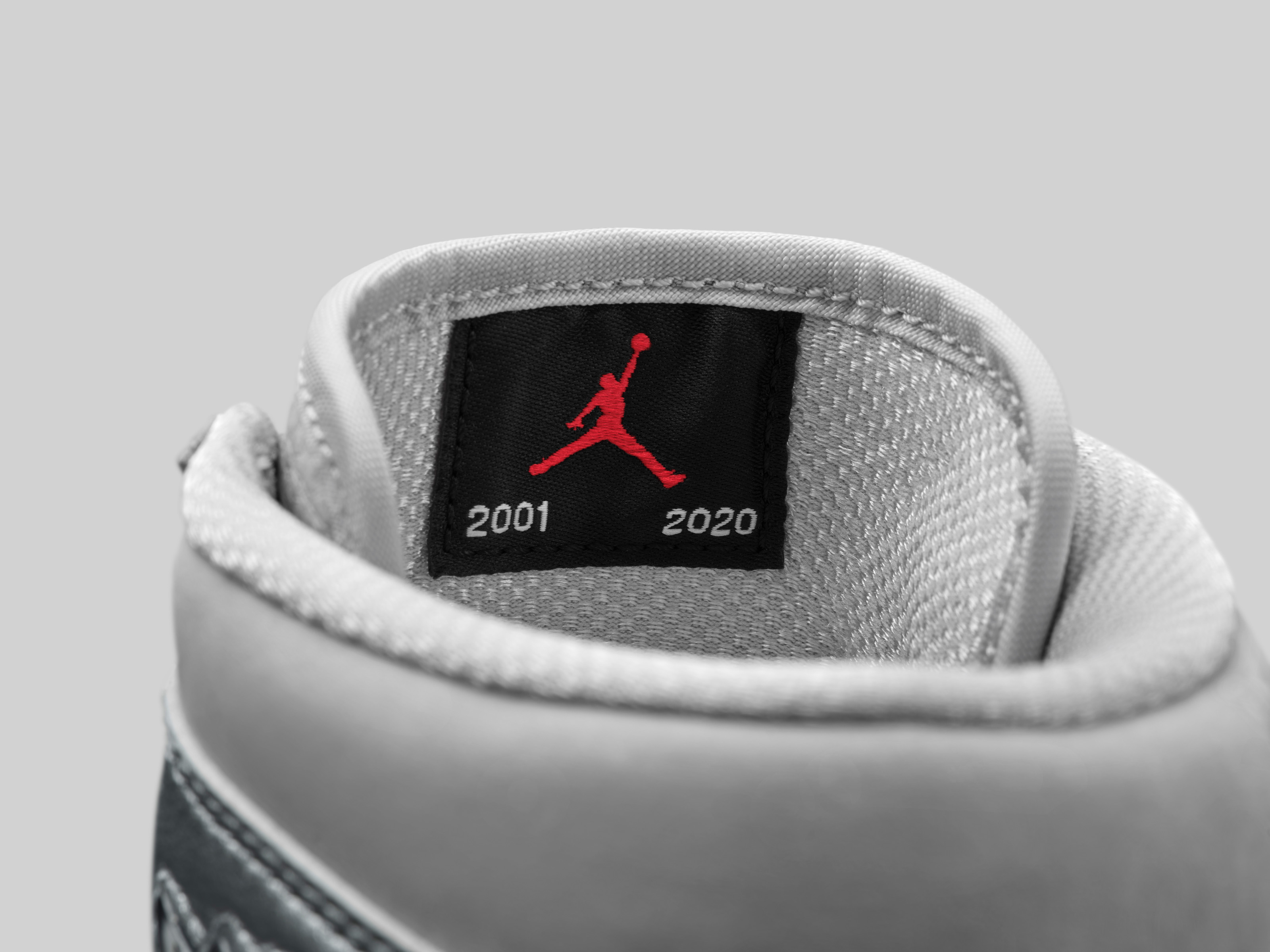 Air Jordan 1 Retro High CO Japan Neutral Grey [2]