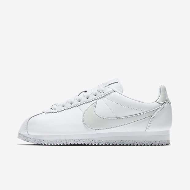Classic Cortez Flyleather White Light Silver (ウィメンズ)