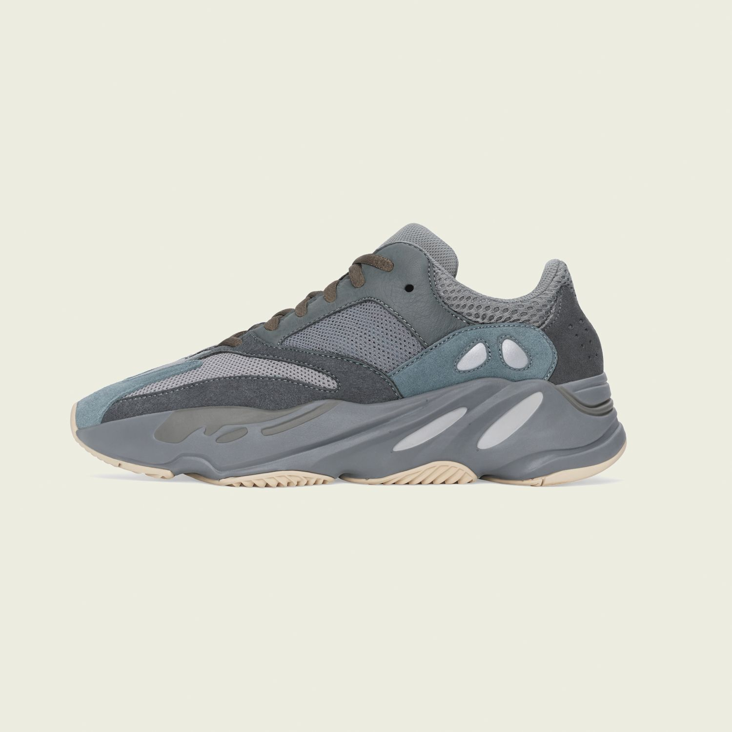 Yeezy Boost 700 Teal Blue [2]